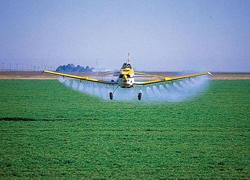 avion fumigador 7