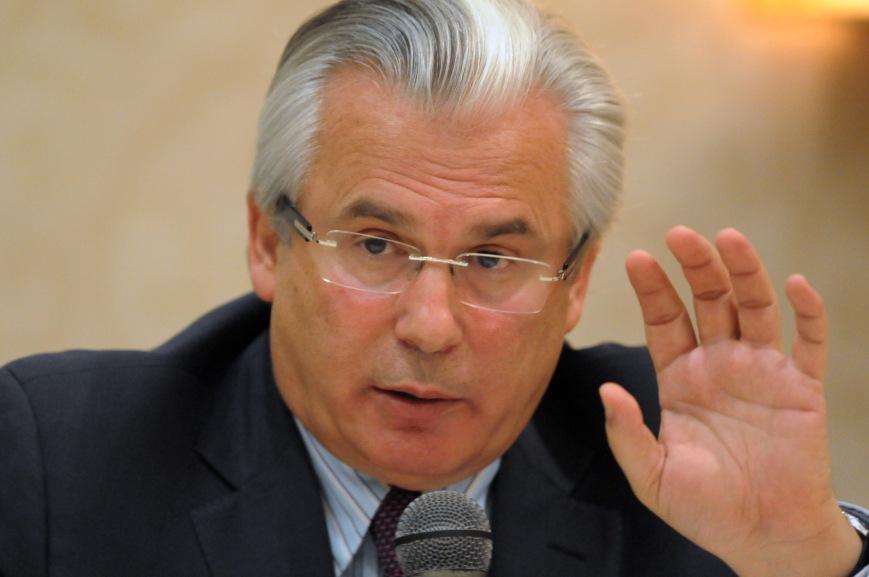 Spanish judge Baltasar Garzon answers a