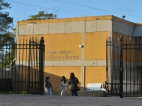 escuela secundaria Bazán y Bustos