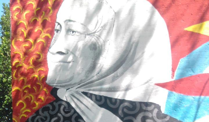 mural madres plaza