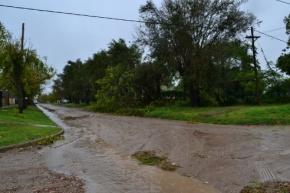 La provincia asiste a familias de Paraná damnificadas por las intensas lluvias