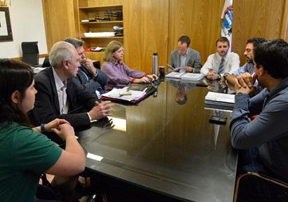 Economía fue el eje de la reunión de representantes de autoridades salientes y electas de Paraná
