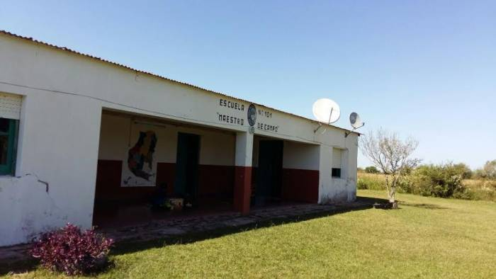 escuela rural 101 paren de fumigar