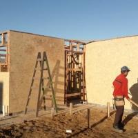 Avanza la construcción de viviendas de madera